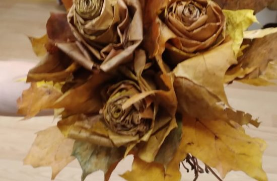 14.10.2021 г. Мастер-класс по изготовлению роз из кленовых листьев